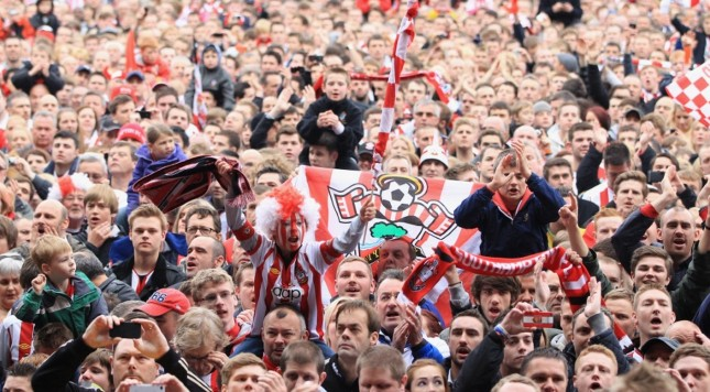 Southampton-fans-celebrates-their-teams-promotion-to-the-Premier-League
