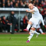 SWANSEA, WALES - FEBRUARY 21:  Jonjo Shelvey of Swansea City scores their second goal during the Barclays Premier League match between Swansea City and Manchester United at Liberty Stadium on February 21, 2015 in Swansea, Wales.  (Photo by Michael Steele/Getty Images)
