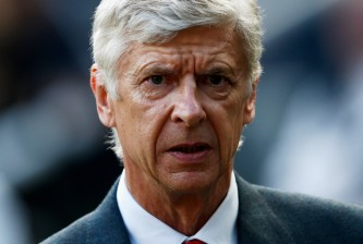 NEWCASTLE UPON TYNE, ENGLAND - AUGUST 29:  Arsene Wenger, manager of Arsenal looks on prior to the Barclays Premier League match between Newcastle United and Arsenal at St James' Park on August 29, 2015 in Newcastle upon Tyne, England.  (Photo by Dean Mouhtaropoulos/Getty Images)