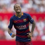 SEVILLE, SPAIN - OCTOBER 03:  Neymar JR. of FC Barcelona reacts as he fails to score during the La Liga match between Sevilla FC and FC Barcelona at Estadio Ramon Sanchez Pizjuan on October 3, 2015 in Seville, Spain.  (Photo by Gonzalo Arroyo Moreno/Getty Images)