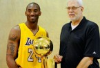 Kobe-Bryant-poses-with-Phil-Jackson-and-the-Lakers-2010-Championship-trophy2