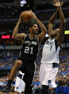 The Spurs get their rings on opening night against a very familiar in-state foe. Photo by Matthew Emmons-USA TODAY Sports
