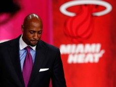 SPRINGFIELD, MA - AUGUST 8:  Alonzo Mourning, inductee, leaves the podium after speaking during the 2014 Basketball Hall of Fame Enshrinement Ceremony at Symphony Hall on August 8, 2014 in Springfield, Massachusetts. (Photo by Jim Rogash/Getty Images)