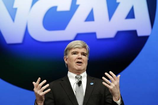 ap-ncaa-convention-emmert-4_3_r536_c534