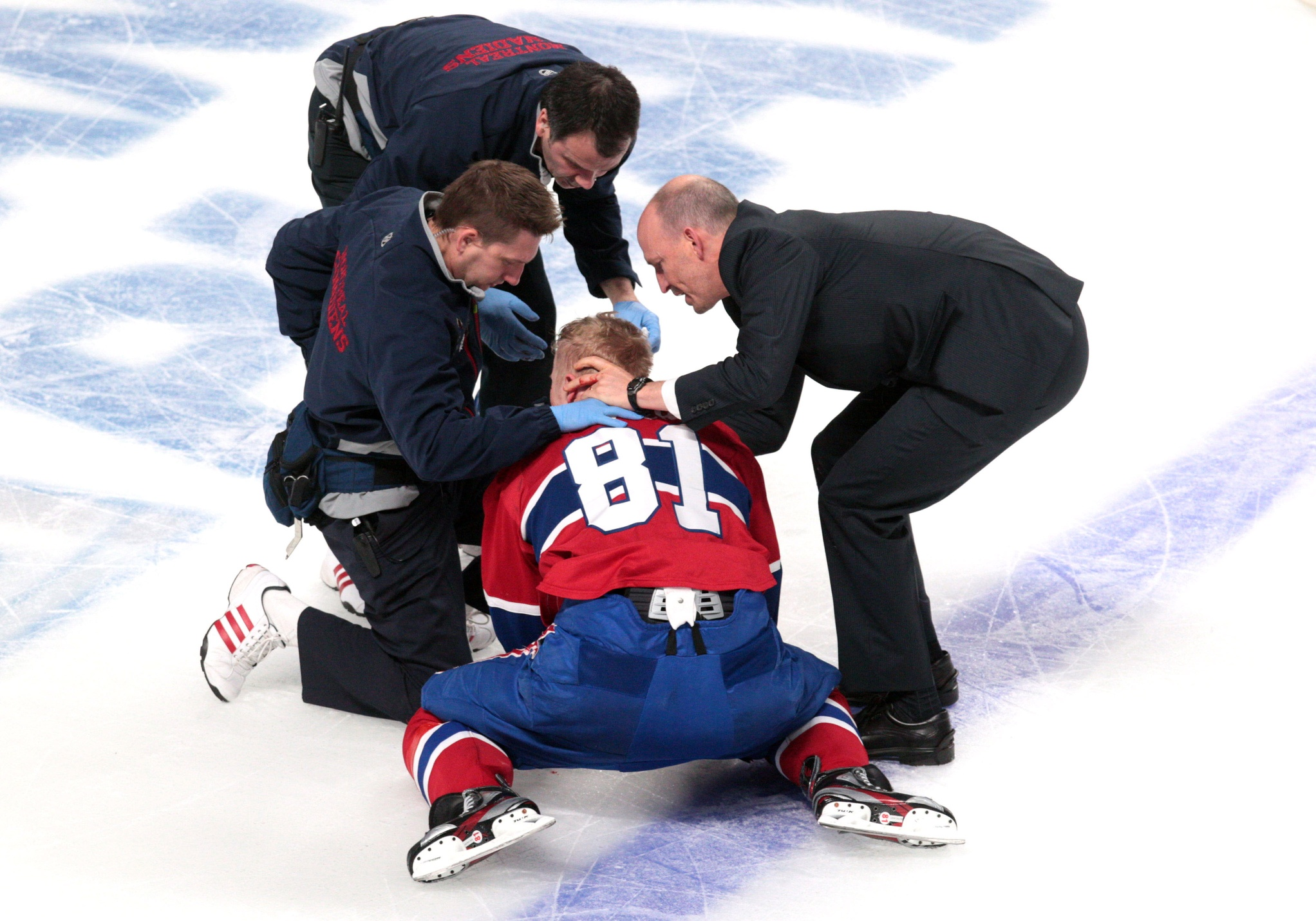 Video Lars Eller Suffers A Brutal Injury On A