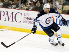 PITTSBURGH, PA - JANUARY 27:  Evander Kane #9 of the Winnipeg Jets skates during the game against the Pittsburgh Penguins at Consol Energy Center on January 27, 2015 in Pittsburgh, Pennsylvania.  (Photo by Justin K. Aller/Getty Images)