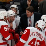 UNIONDALE, NY - MARCH 29:  Head coach Mike Babcock of the Detroit Red Wings gives his players direction in the closing minutes of their game against the New York Islanders  at the Nassau Veterans Memorial Coliseum on March 29, 2015 in Uniondale, New York. The Islanders defeated the Red Wings 5-4.  (Photo by Bruce Bennett/Getty Images)