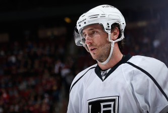GLENDALE, AZ - DECEMBER 04:  Mike Richards #10 of the Los Angeles Kings during the NHL game against the Arizona Coyotes at Gila River Arena on December 4, 2014 in Glendale, Arizona.  The Kings defeated the Coyotes 4-0.  (Photo by Christian Petersen/Getty Images)