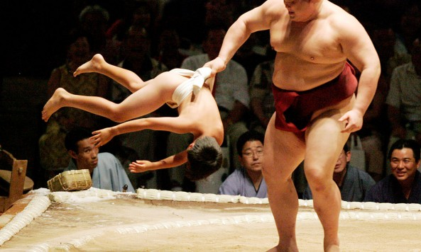 Sumo-wrestler-with-kid