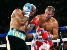 Sergey Kovalev vs Bernard Hopkins (Ed Mulholland - USA Today 2)