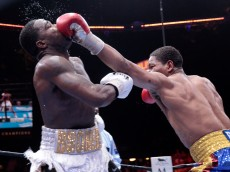 Adrien Broner and Shawn Porter during their welterweight fight at MGM Grand Garden Arena on June 20, 2015 in Las Vegas, Nevada.