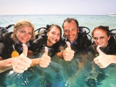 Divers-Thumbs-Up1