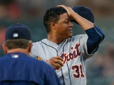 SEATTLE, WA - JULY 06:  Starting pitcher Alfredo Simon #31 of the Detroit Tigers pauses on the mound after giving up an RBI double to Brad Miller of the Seattle Mariners in the fourth inning at Safeco Field on July 6, 2015 in Seattle, Washington.  (Photo by Otto Greule Jr/Getty Images)