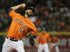 HOUSTON, TX - AUGUST 21:  Mike Fiers #54 of the Houston Astros throws a pitch in the second inning during their game against the Los Angeles Dodgers at Minute Maid Park on August 21, 2015 in Houston, Texas.  (Photo by Scott Halleran/Getty Images)
