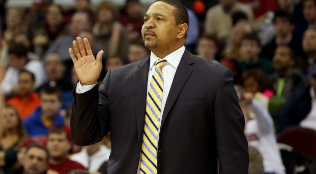 CLEVELAND, OH - DECEMBER 29:  Head coach Mark Jackson of the Golden State Warriors gestures from the bench in the fourth quarter against the Cleveland Cavaliers at Quicken Loans Arena on December 29, 2013 in Cleveland, Ohio. NOTE TO USER: User expressly acknowledges and agrees that, by downloading and/or using this photograph, user is consenting to the terms and conditions of the Getty Images License Agreement.  (Photo by Mike Lawrie/Getty Images)