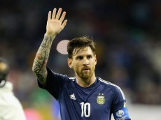 HOUSTON, TX - JUNE 21:  Lionel Messi #10 of Argentina gestures after defeating the United States 4-0 in a 2016 Copa America Centenario Semifinal match at NRG Stadium on June 21, 2016 in Houston, Texas.  (Photo by Bob Levey/Getty Images)