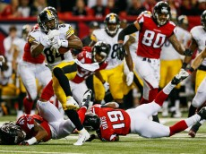 ATLANTA, GA - DECEMBER 14:  Antonio Brown #84 of the Pittsburgh Steelers runs after a catch in the second half against the Atlanta Falcons at the Georgia Dome on December 14, 2014 in Atlanta, Georgia.  (Photo by Kevin C. Cox/Getty Images)