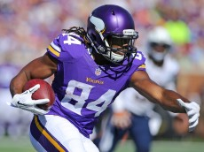 MINNEAPOLIS, MN - SEPTEMBER 27: Cordarrelle Patterson #84 of the Minnesota Vikings carries the ball for a gain in the third quarter against the San Diego Chargers at TCF Bank Stadium on September 27, 2015 in Minneapolis, Minnesota. (Photo by Adam Bettcher/Getty Images)