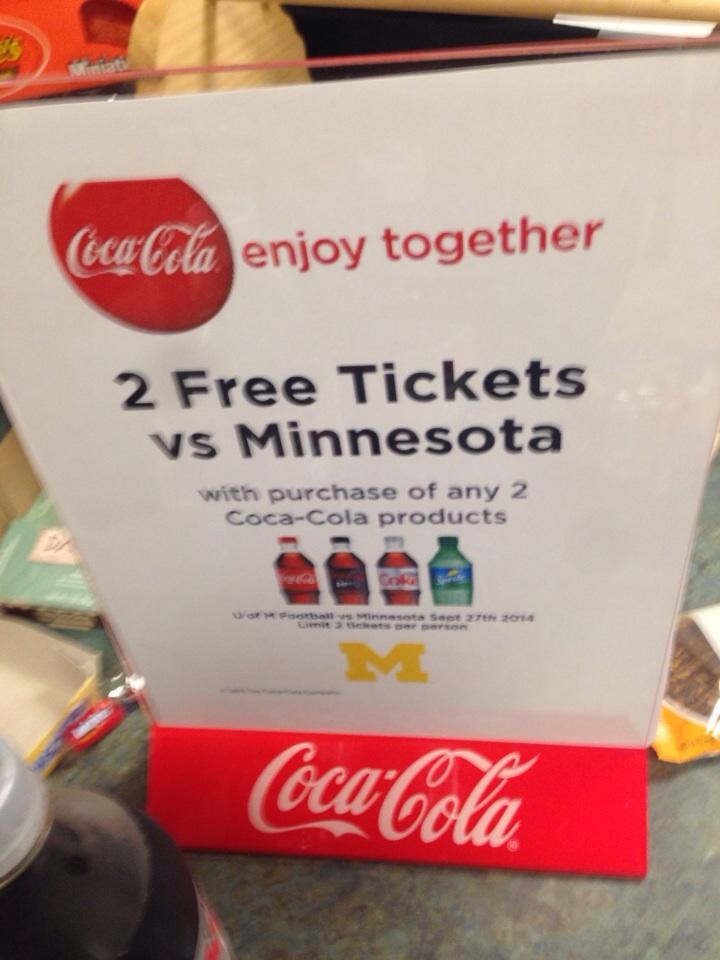 CFB-michigan-coke-giveaway7
