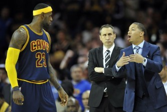 tyronn-lue-david-blatt-lebron-james-nba-new-york-knicks-cleveland-cavaliers-850x5601