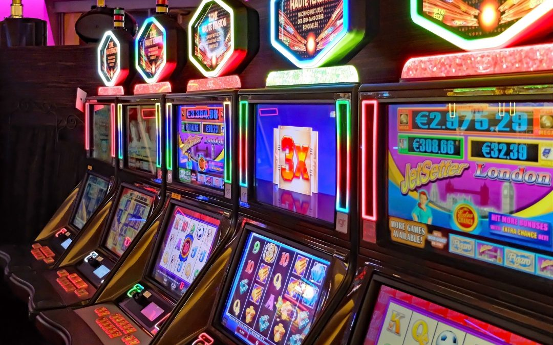 How are slot machines programmed?