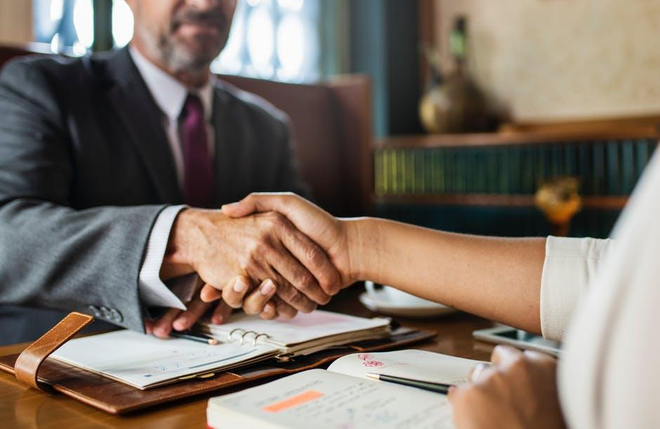 Legal Lessons: What to Know When Hiring a Lawyer