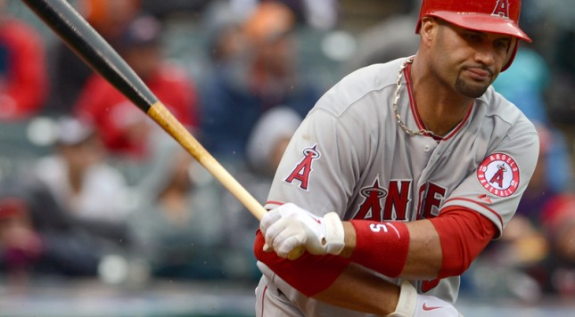 albert-pujols-is-so-awful-right-now-hes-dealing-with-his-frustrations-by-throwing-his-coach-under-the-bus[1]