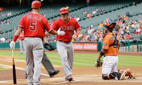 Mike+Trout+Los+Angeles+Angels+Anaheim+v+Houston+-KRHd43oVdsl[1]