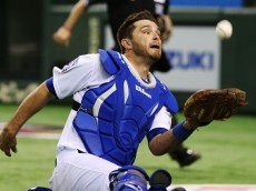 TOKYO, JAPAN - NOVEMBER 16:  Drew Butera #31 of the Los Angeles Dodgers makes a catch in the nineth inning during the game four of Samurai Japan and MLB All Stars at Tokyo Dome on November 16, 2014 in Tokyo, Japan.  (Photo by Atsushi Tomura/Getty Images)