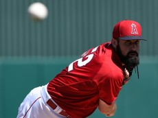 TEMPE, AZ - MARCH 08:  Matt Shoemaker #52 of the Los Angeles Angels of Anaheim pitches against the Kansas City Royals at Tempe Diablo Stadium on March 8, 2015 in Tempe, Arizona.  (Photo by Lisa Blumenfeld/Getty Images)