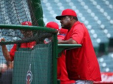 ANAHEIM, CA - MAY 06:  Hitting coach Don Baylor of the Los Angeles Angels of Anaheim watches batting practice prior to a game against the Seattle Mariners at Angel Stadium of Anaheim on May 6, 2015 in Anaheim, California.  (Photo by Victor Decolongon/Getty Images)