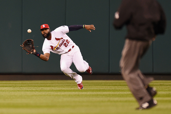 ST LOUIS, MO - OCTOBER 09:  Jason Heyward #22 of the St. Louis Cardinals makes a catch in the third inning against the Chicago Cubs during game one of the National League Division Series at Busch Stadium on October 9, 2015 in St Louis, Missouri.  (Photo by Michael B. Thomas/Getty Images)