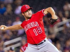 Sep 4, 2014; Minneapolis, MN, USA; Los Angeles Angels relief pitcher Huston Street (16) pitches in the ninth inning against the Minnesota Twins at Target Field. The Los Angeles Angels win 5-4. Mandatory Credit: Brad Rempel-USA TODAY Sports