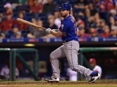 PHILADELPHIA, PA - AUGUST 27: Daniel Murphy #28 of the New York Mets hits a two run double in the 13th inning against the Philadelphia Phillies at Citizens Bank Park on August 27, 2015 in Philadelphia, Pennsylvania. The mets won 9-5. (Photo by Drew Hallowell/Getty Images)