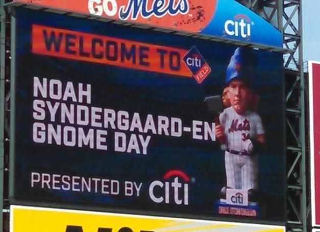 Syndergaard-gnome-scoreboard-e1462083527605