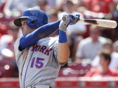 CINCINNATI, OH - SEPTEMBER 05: Matt Reynolds #15 of the New York Mets singles to center field to drive in a run against the Cincinnati Reds in the seventh inning at Great American Ball Park on September 5, 2016 in Cincinnati, Ohio. The Mets defeated the Reds 5-0. (Photo by Joe Robbins/Getty Images)