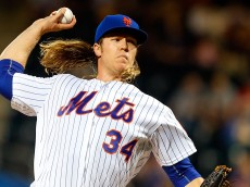 NEW YORK, NY - SEPTEMBER 19:  Noah Syndergaard #34 of the New York Mets pitches in the first inning against the Atlanta Braves at Citi Field on September 19, 2016 in the Flushing neighborhood of the Queens borough of New York City.  (Photo by Jim McIsaac/Getty Images)