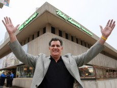 MIKE SHANNON OPENS NEW RESTURANT