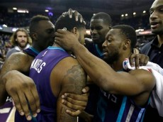 686Hornets Kings Basketball