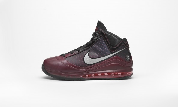 sp10_12_25_lebronvii_profile1 2