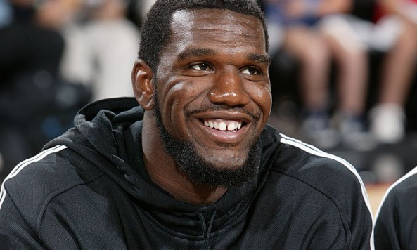 Greg-Oden-on-the-happiest-day-of-his-life-the-day-he-was-allowed-to-wear-a-hoodie-and-sweatpants-to-work.-Getty-Images