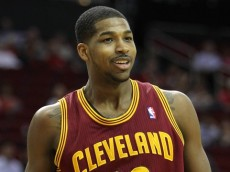 Tristan-Thompson-Righty-Cavs
