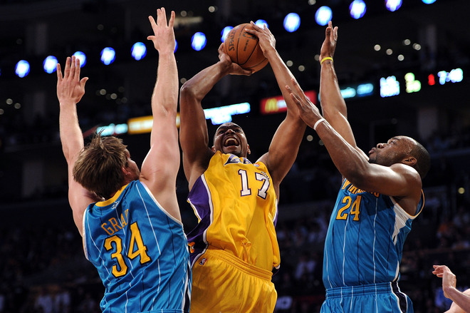 andrew-bynum-up