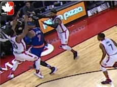 New York Knicks' Carmelo Anthony steps out of bounds vs. Toronto Raptors late in 4th quarter (Nov. 10, 2015)