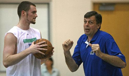 Kevin Love and Kevin McHale