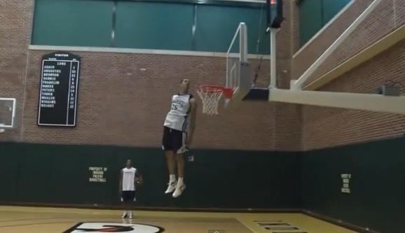 gerald_green_head_above_rim