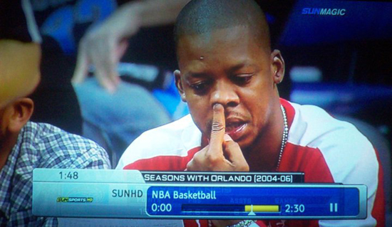 steve-francis-picks-nose