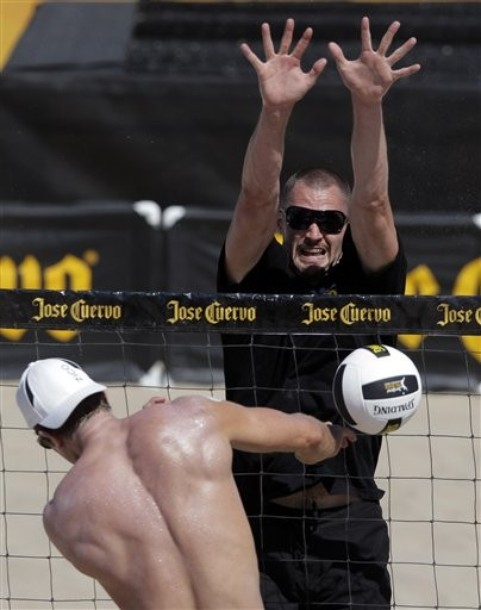kevin love volleyball