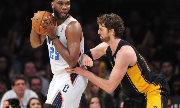 Al Jefferson posts up Pau Gasol