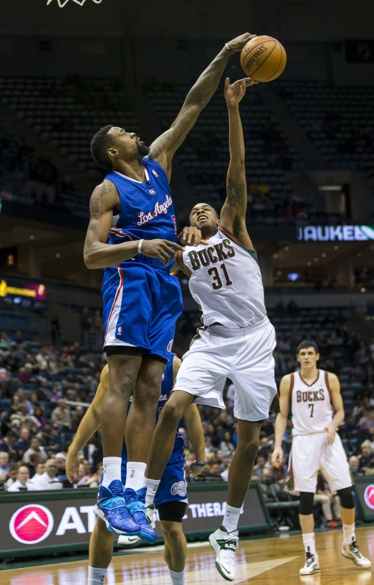 los angeles clippers deandre jordan blocks milwaukee bucks john henson